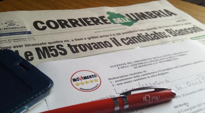 Vergaglia firma l'accettazione per la candidatura M5S Umbria 2019